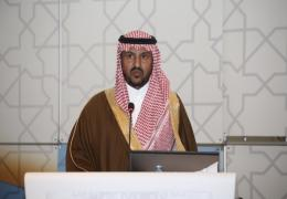 يدير الحلقة  سمو الأمير/ د. بندر بن سلمان بن آل سعود